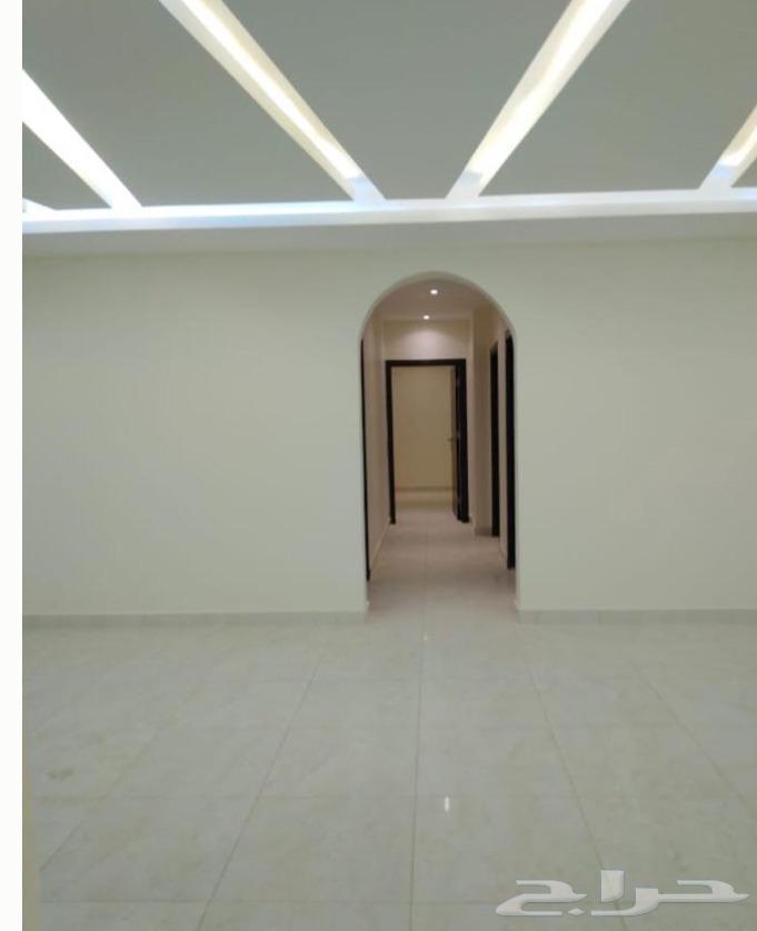 شقه5غرف وملحق بسطح بتصميم عصري من المالك