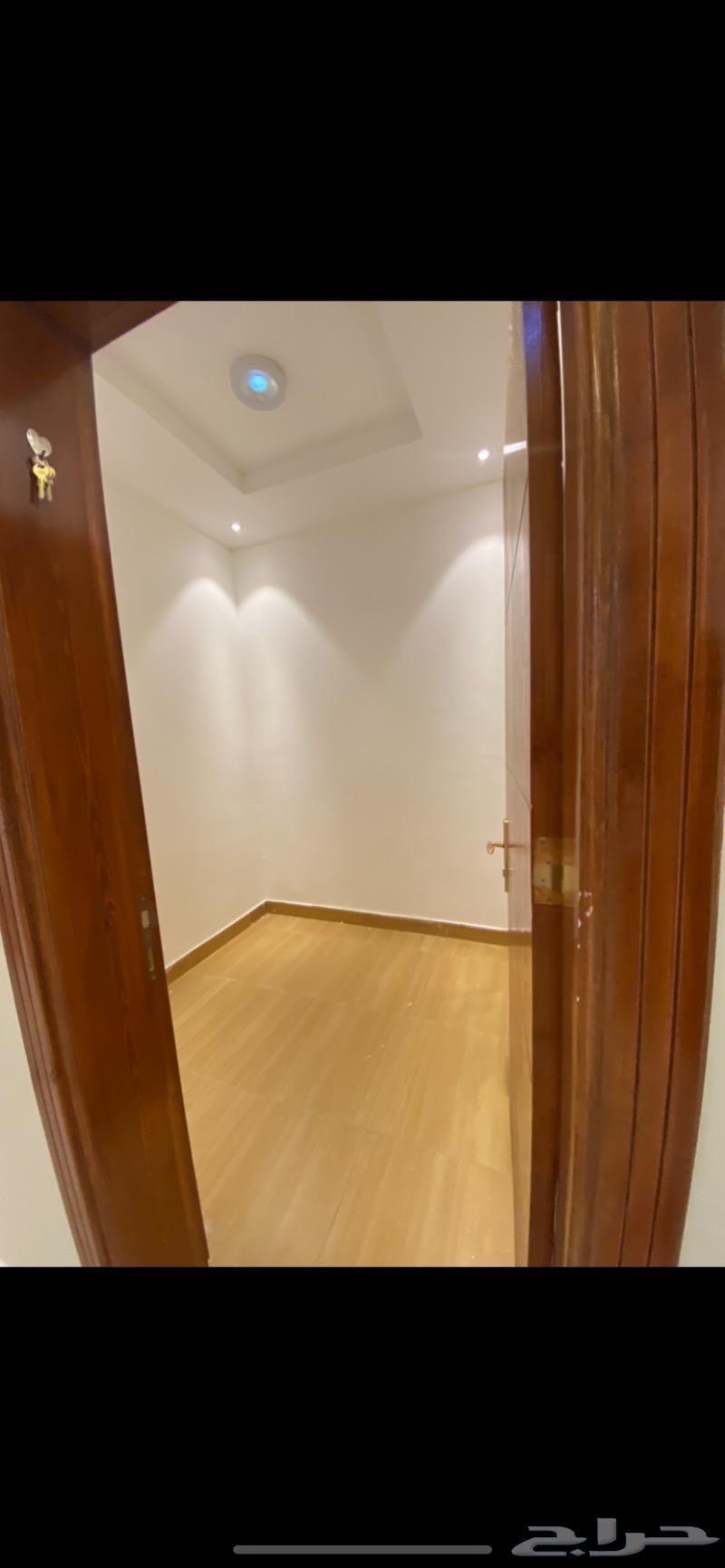 شقة 5 غرف بغرفه سائق للايجار بمخطط البيعه