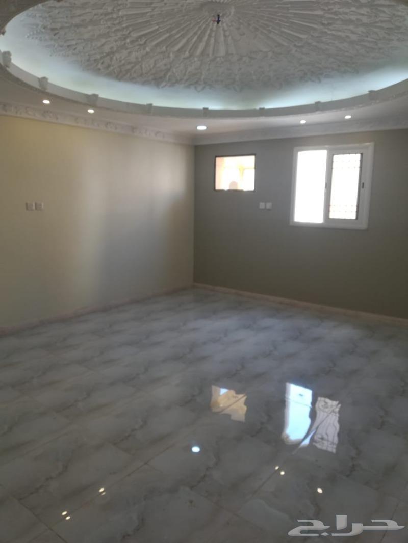 شقه بحي شوران و غرفه سائق للبيع