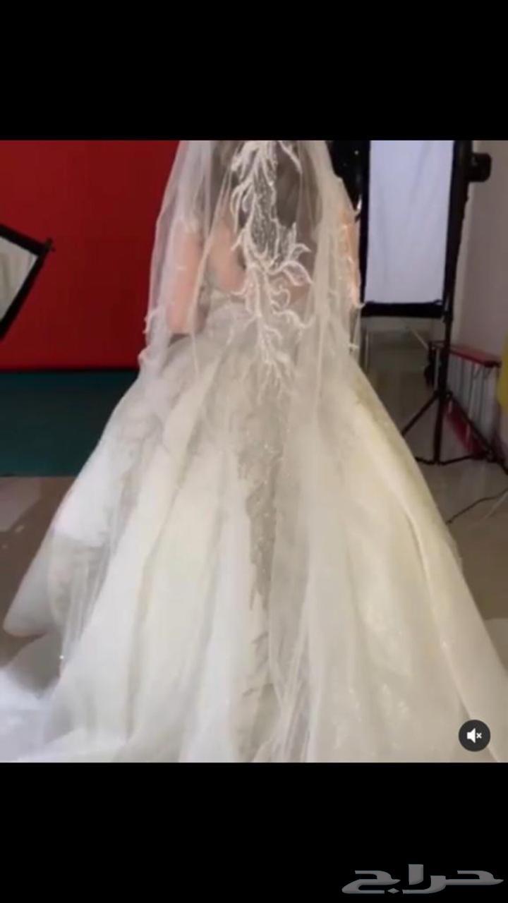 فستان زفاف التواصل إتصال