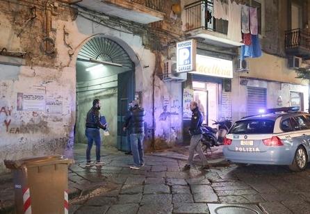 Napoli, Sparatoria oggi al Rione Sanità: gambizzati padre e figlio