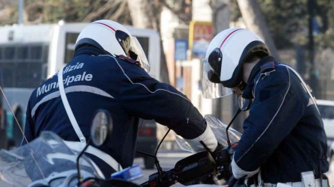 Tragedia a Napoli. Pedone falciato da un'automobile su corso Malta: è morto