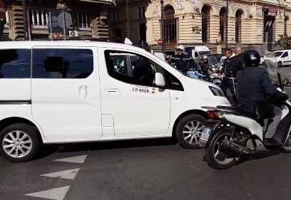 Taxi: a Napoli scatta lo stop, disagi