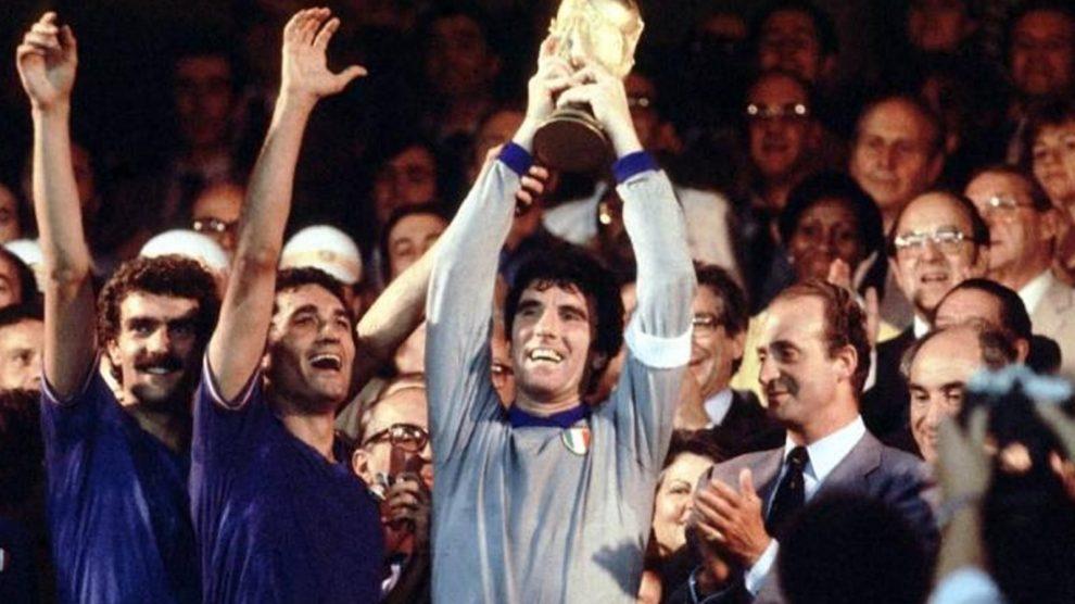 Il calcio festeggia i 75 anni di Dino Zoff