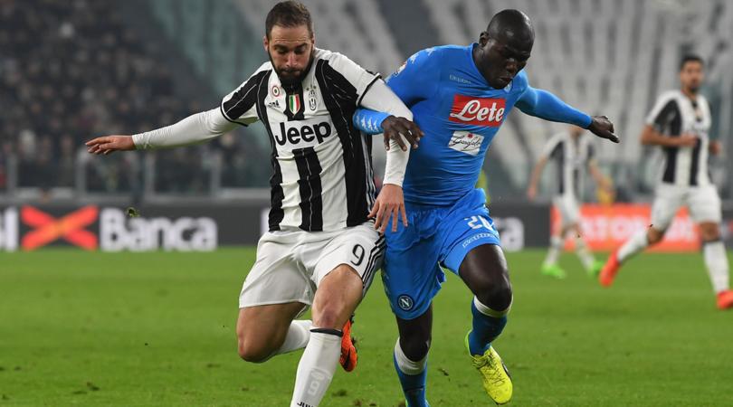 De Magistris contro la Juventus e Higuain: duro attacco del Sindaco