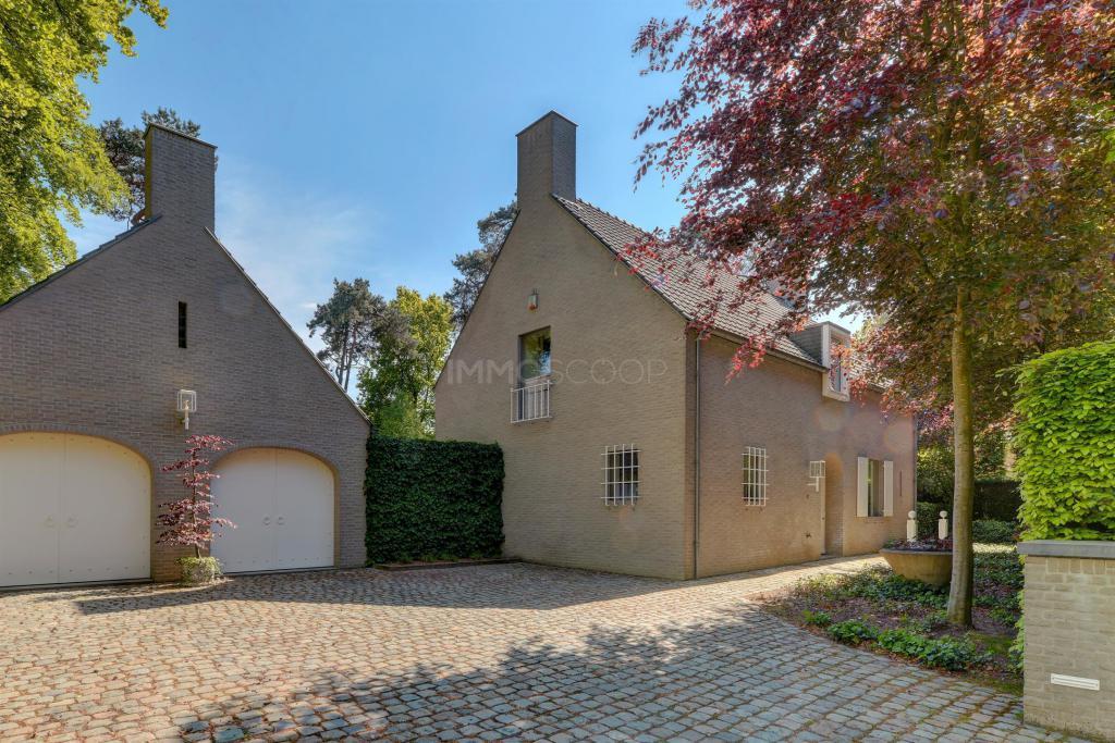 7d7e1b0a491 Woning te Koop Oud-TurnhoutGuldenweg 4. Vraagprijs. 26 Foto's