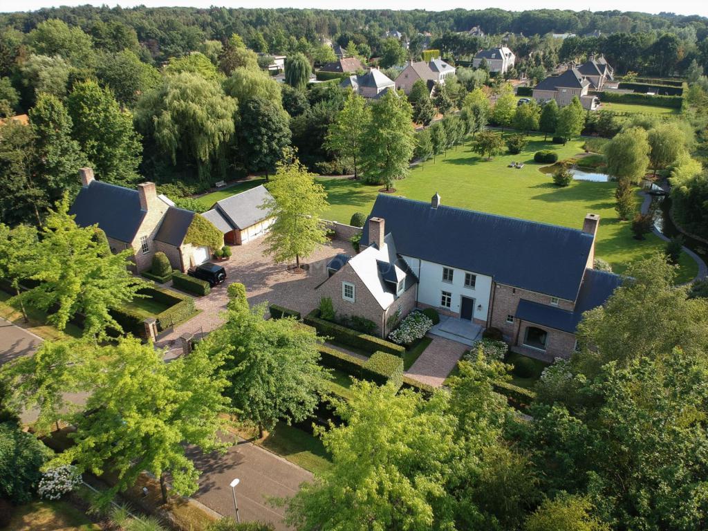 d227e6ca06c Woning Te Koop - Hazenweg 11 in 2360 Oud-Turnhout - Ref: CYAPU1818190416 -  IMMOSCOOP