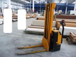 Electrical transpallet jungheinrich - Lot 67 (Auction 1062)