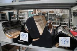 Fisarmoniche - Lot 187 (Auction 1137)