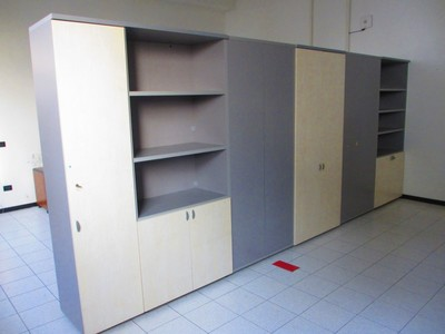 Coat hangers and lighting system - Auction 1234