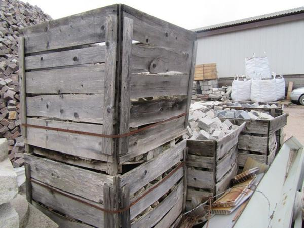 Blocks Marble Auction : Lot granite blocks