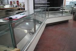Arredamento e attrezzature per negozio Gastronomia - Lotto 44 (Asta 1366)