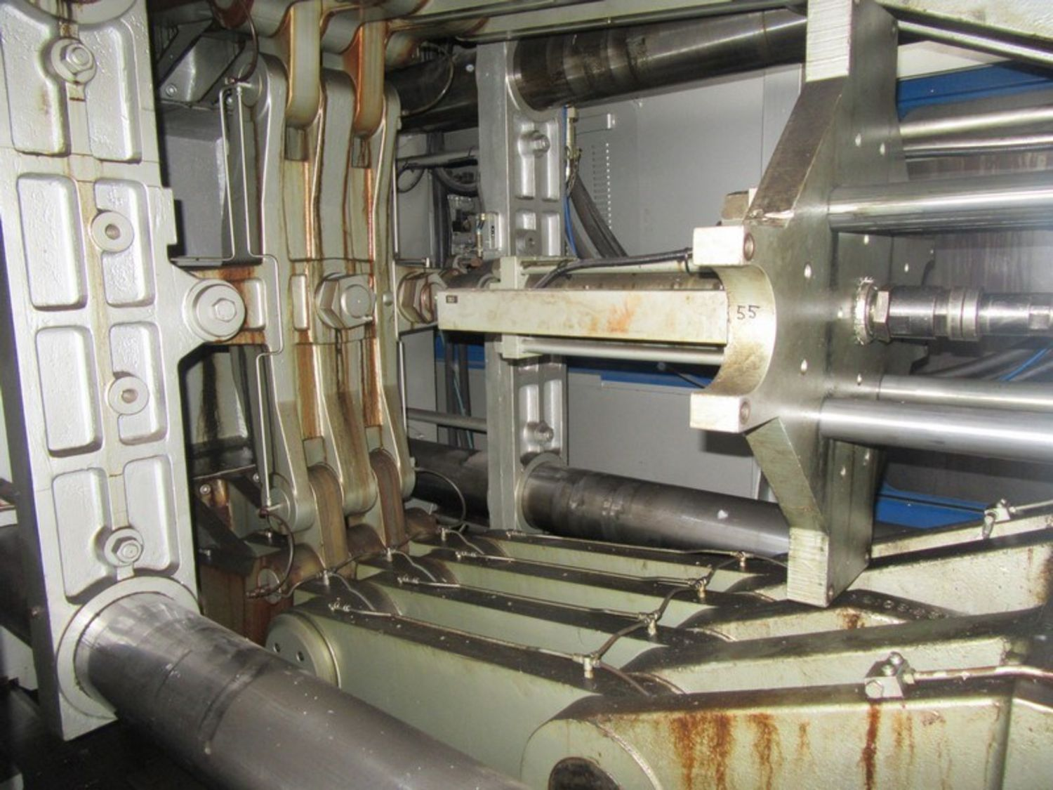 injection moulding machine auction