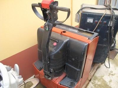 Lotto lavapavimenti e transpallet for Lavapavimenti elettrico