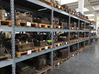 Pots and containers molds for floriculture - Auction 1391