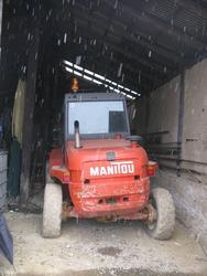 Manitou lift truck - Lot 33 (Auction 1415)