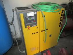 Compressor with drier - Lot 24 (Auction 1427)