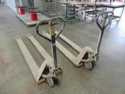Manual pallet truck - Lot 92 (Auction 1427)