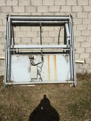 Hydraulic lift - Lot 60 (Auction 1504)