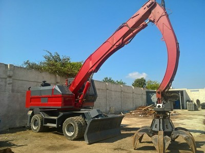 Truck Fiat Iveco hoist Euromec and containers - Auction 1526