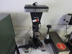 Microscopio portatile - Lotto 245 (Asta 1543)