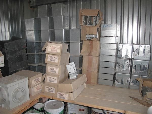 Plafoniere Per Travi Legno : Lotto stock di tirafondi scarpe per pilastri in legno e fascette