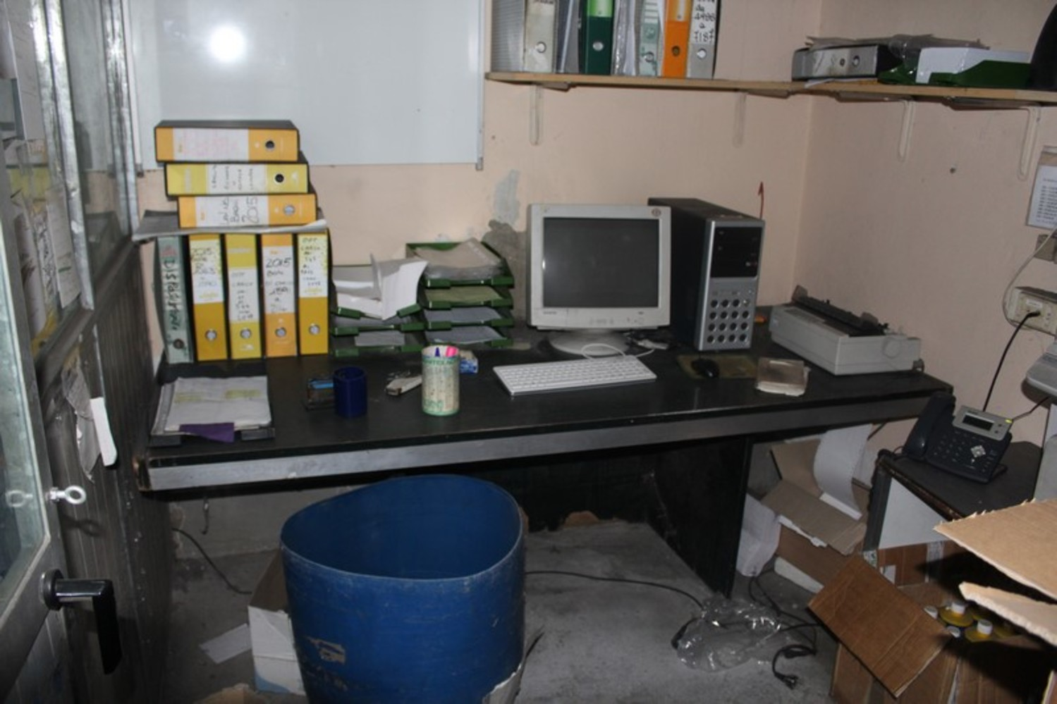 Lot Various Office Furniture Warehouse