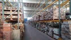 Ingente stock di varie tipologie di legname per pavimenti - Asta 1598