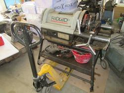 Pillar-type drill and workshop equipment - Auction 1603