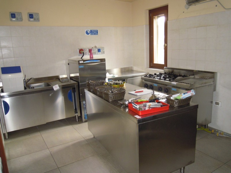 Lotto attrezzatura da cucina industriale - Attrezzatura da cucina ...