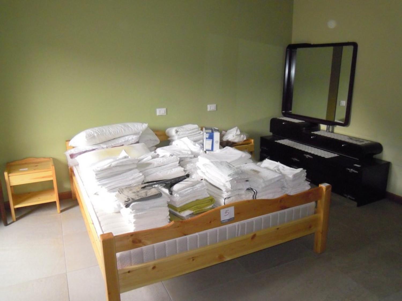 Lotto arredamento da camera da letto for Arredamento camera da letto economica