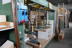 Magazzino componenti prelavorati e macchinari lavorazione legno - Asta 1651