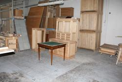 Finished and raw semi finished furniture - Lot 63 (Auction 1651)