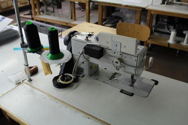 Lotto macchina per cucire adler for Macchina da cucire salmoiraghi 133