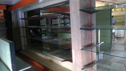 Scaffalatura in vetro e specchio - Lot 8 (Auction 1716)