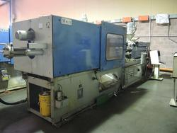 Injection moulding machines Bmb and Sandretto and shelving - Lot  (Auction 1748)