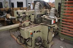 Throughfeed moulder Scm - Lot 48 (Auction 1749)