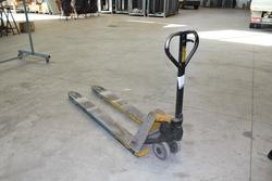 Pallet truck Lifter - Lot 11 (Auction 1777)