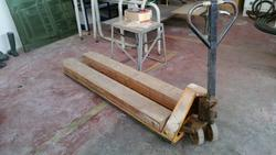 Pallet trucks - Lot 11 (Auction 1808)