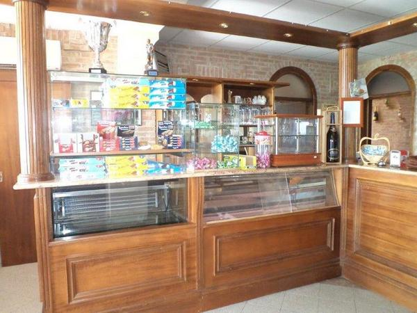 Lotto arredo bar e tabaccheria gm arredamenti for Gm arredamenti roma