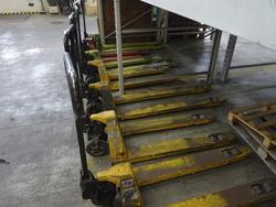 Pallet trucks - Lot 87 (Auction 1838)