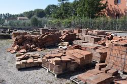 Bricks  stones and tiles - Lot 10 (Auction 1881)