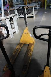 Pallet Truck - Lot 32 (Auction 1944)