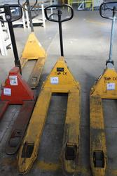 Pallet Truck - Lot 33 (Auction 1944)
