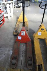 Pallet Truck - Lot 35 (Auction 1944)