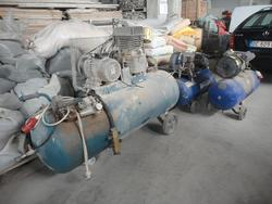 Compressors and laboratory equipment - Lot 8 (Auction 1946)