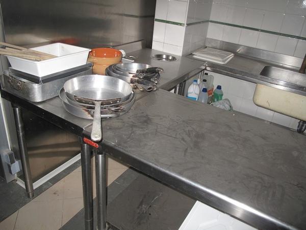 Lotto stock di arredi e accessori per cucina ristorante e laboratorio pasticceria - Elenco accessori cucina ...