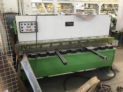 Omag shear and Bariola cutting press - Auction 1977