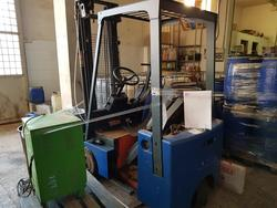 Lugli electric lift truck and belt saw - Lot 5 (Auction 1989)