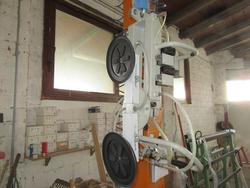 Pneumatic loader - Lot 110 (Auction 2020)